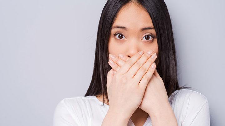 bad breath woman